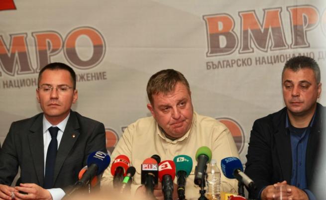 Задочен спор между президента и Каракачанов за цената на изтребителите