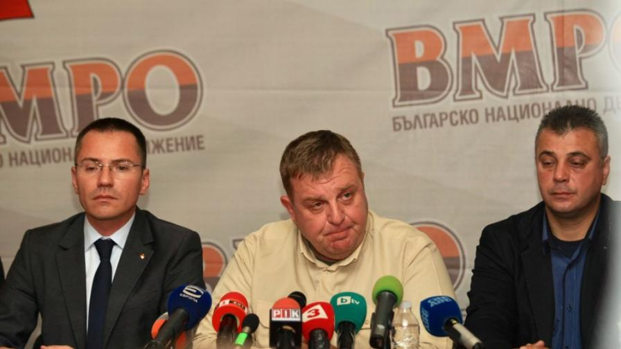 <p>Задочен спор между президента и Каракачанов за цената на изтребителите&nbsp;</p>