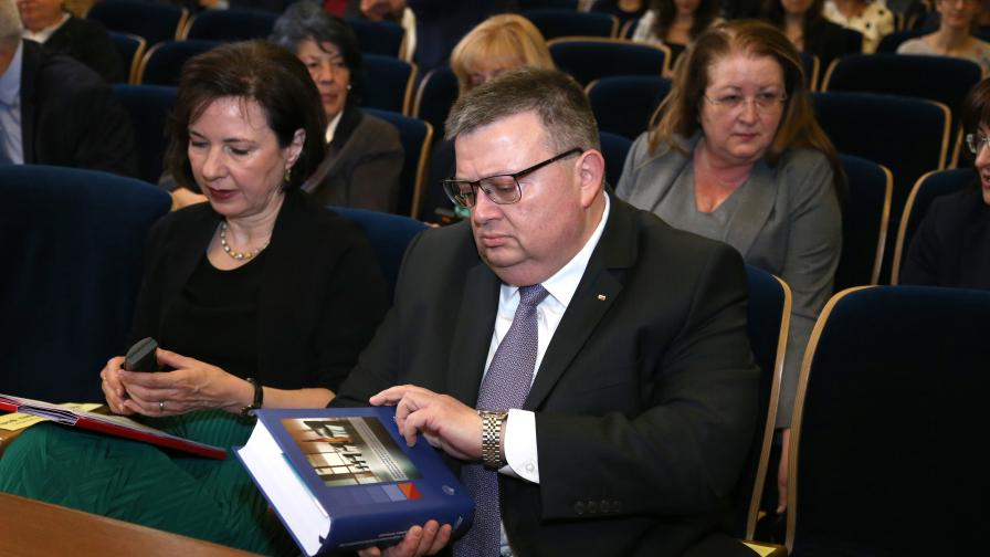 Цацаров иска възобновяване на делото за смъртта на Чората