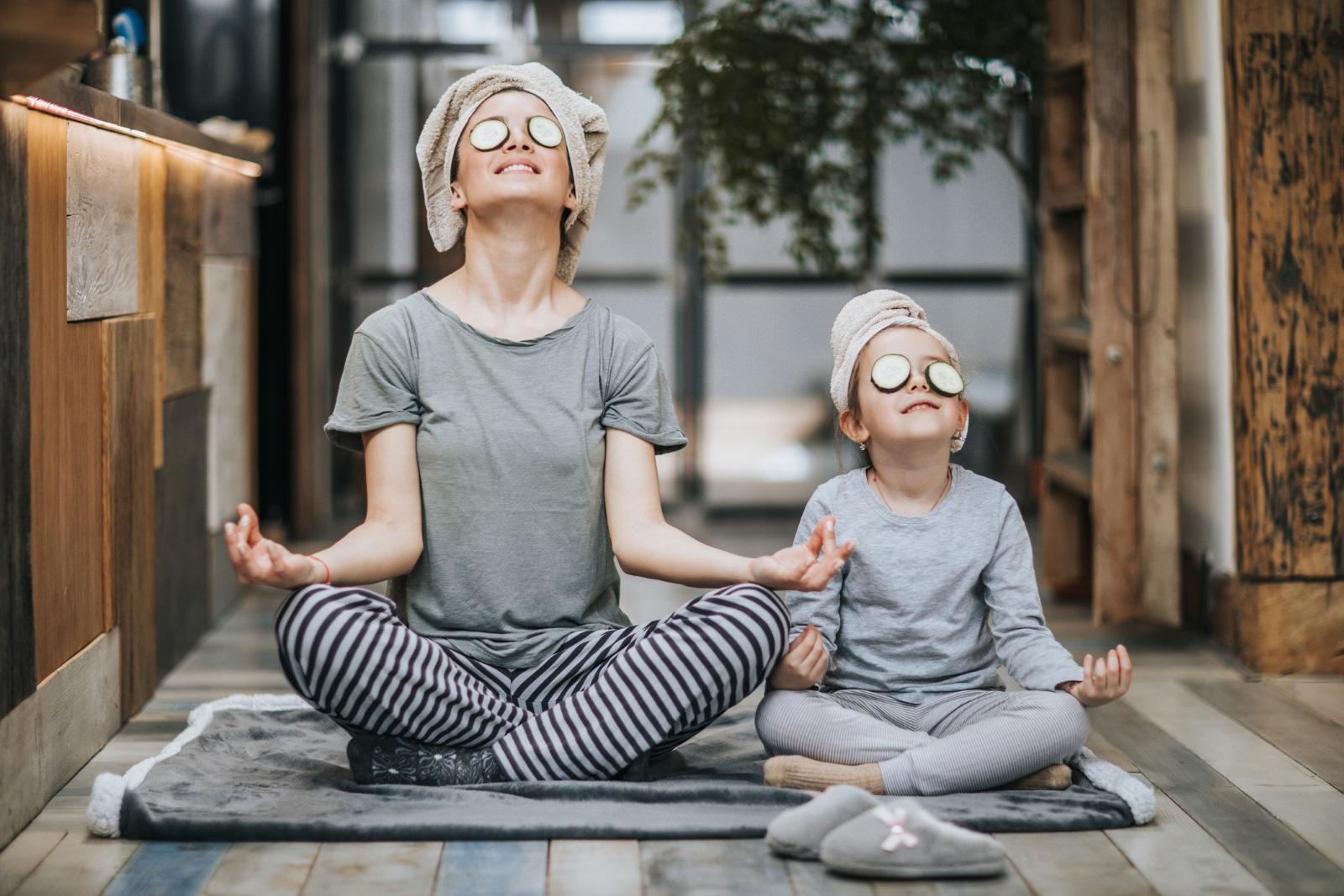 Детето Везни<br /> Това дете по-скоро ще направи забележка на вас за външния ви вид, отколкото да допусне да не изглежда добре. Независимо как вие виждате ситуацията, детето Везни ще е отчело външния си вид за разлика от много други представители в ранното детство. Създаването на приятелства и хармонията в отношенията са жизнено важни за утвърждаването на тези деца, които много често виждат себе си през очите на другите. Помогнете им да се сприятелят със себе си и да знаят, че има моменти, в които най-много трябва да се осланят на своя глас.