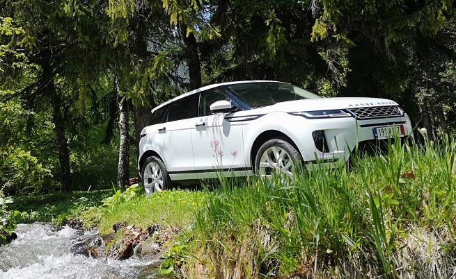 Range Rover Evoque запазва статута на модна икона (тест драйв)