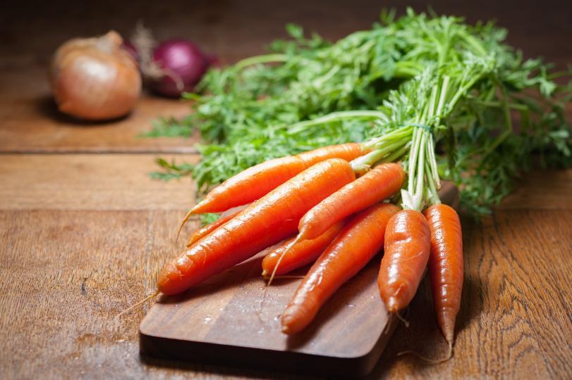 <p><strong>Моркови </strong></p>  <p>Само леко ги задушавайте, за да се смилат по-лесно. Иначе употребявайте на воля, от моркови никой не е надебелял.</p>