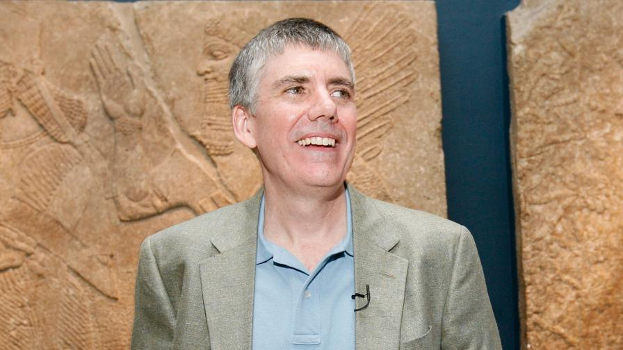 <p>Учителят, който <strong>съживи гръцките богове</strong></p>