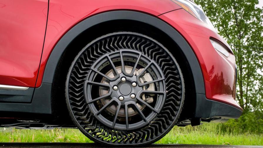 <p>GM ще &bdquo;обуе&ldquo; колите си с безвъздушни гуми</p>
