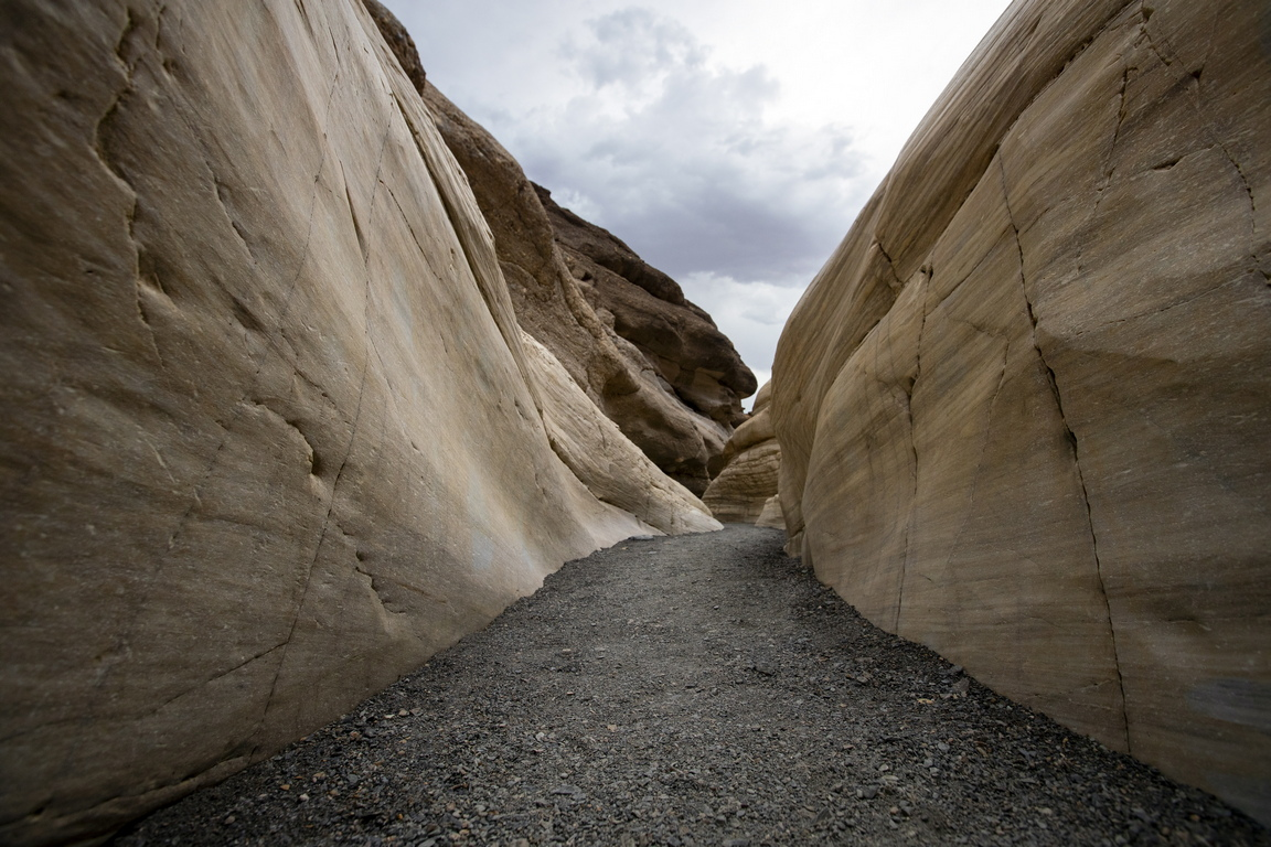 Името му произлиза от седимент, получен от скалата брекча и блокове от доломит.