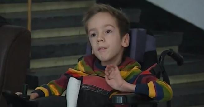 България Деца със спинална мускулна атрофия ще се лекуват у