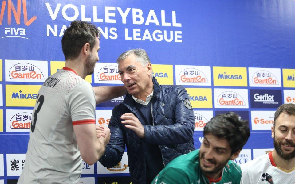 Треньорите на волейболните отбори на Австралия, Италия и Япония дадоха