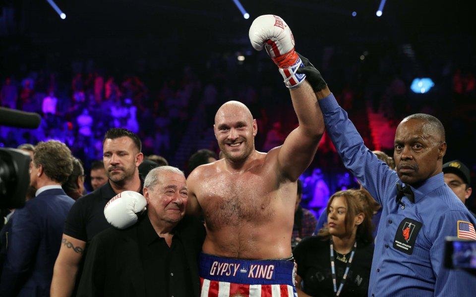 Вегас Британският боксьор в тежка категория Тайсън Фюри записа победа