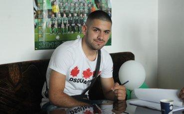 Юноша на Нефтохимик подписа професионален договор с клуба