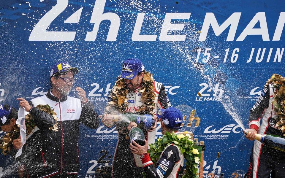 Отборът на Тойота с Фернандо Алонсо в състава си спечели