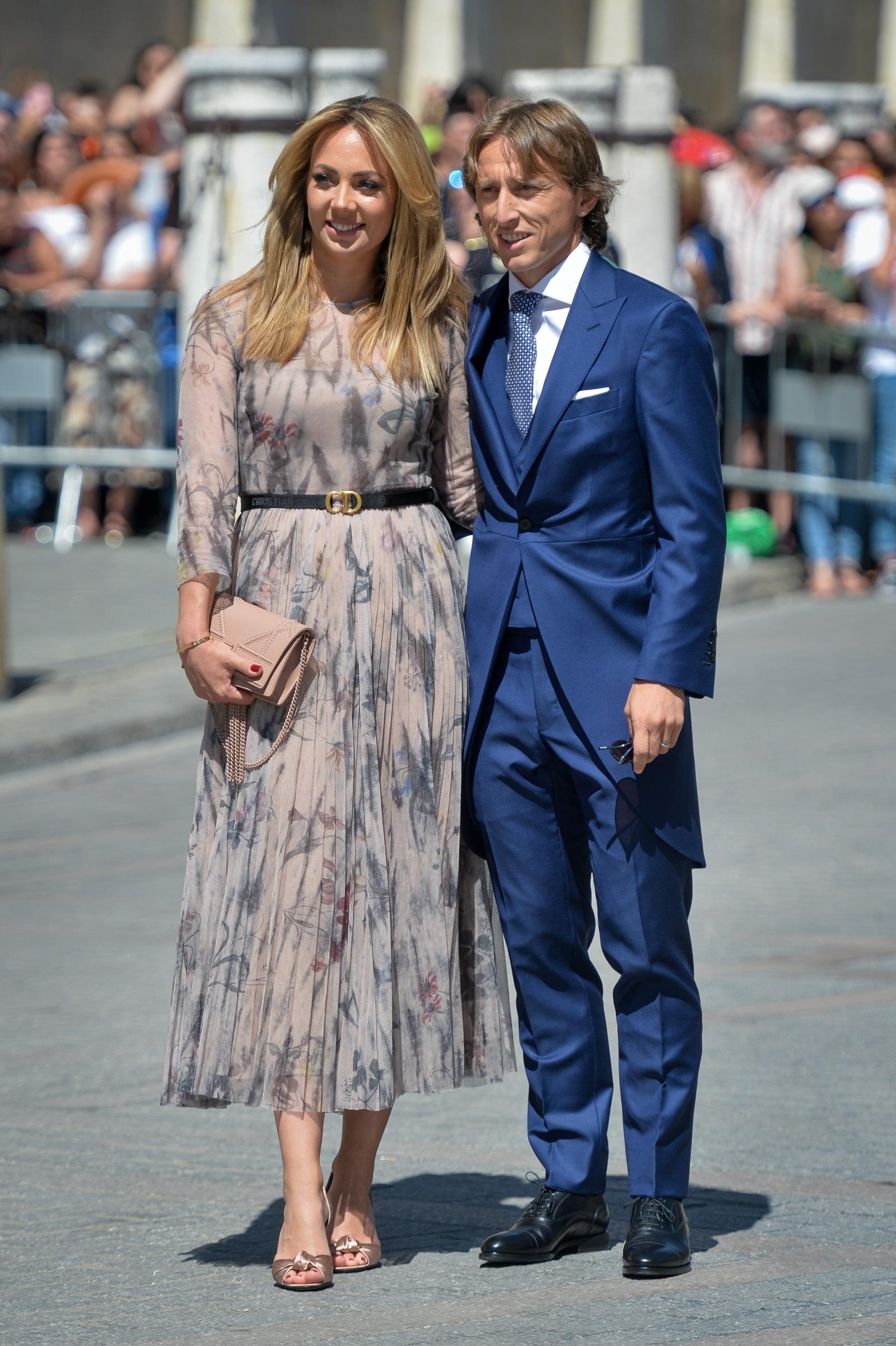 Сред гостите на сватбата бяха Лука Модрич и половинката муВаня Боснич