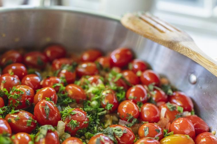 Тя е изключително подходяща за печене и по-деликатно готвене (приготвяне на крем супи и сосове).