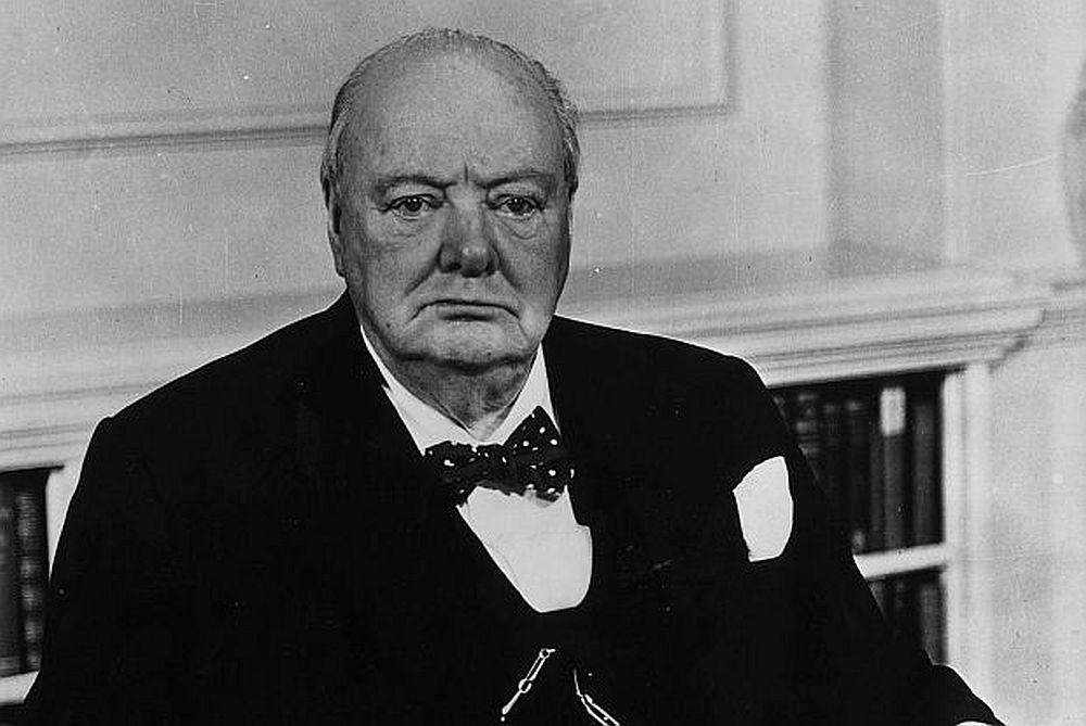 Уинстън Чърчил е бил слаб ученик по всички предмети, освен история и английски.