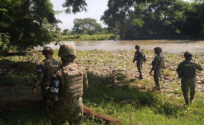 Мексико прати 15000 войници на границата със САЩ