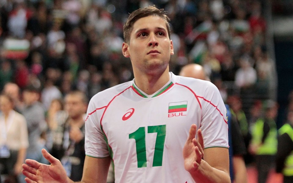 Волейболистът Николай Пенчев и половинката му Рая Пакова станаха родители