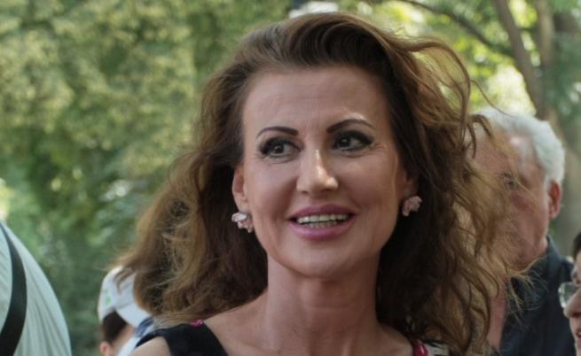 Илиана Раева очаква две внучета през 2020 г.