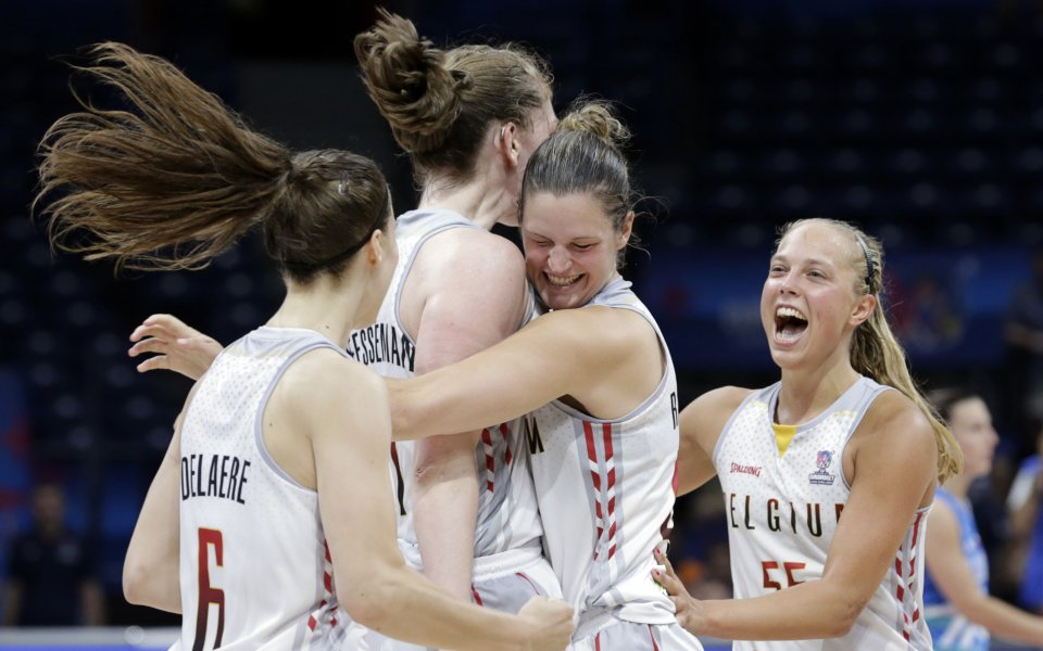 Белгия спечели драматична победа Евробаскет, Русия взе квота за 1/4-финалите