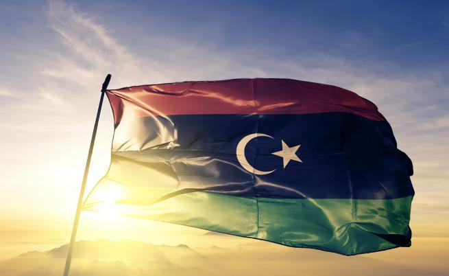 Въздушен удар срещу мигрантски лагер в Триполи, 40 убити
