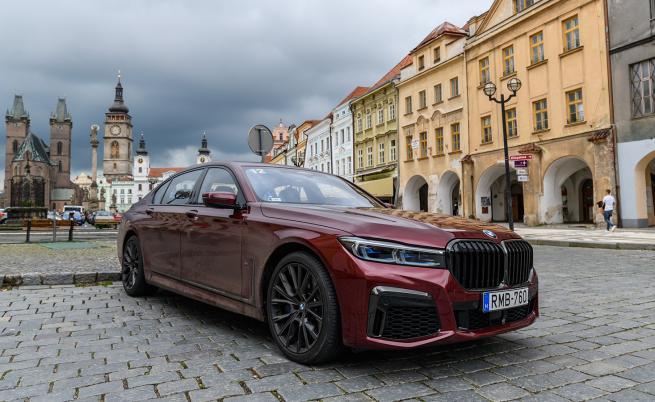Тестваме върха в баварската гама: BMW 750i & M760Li