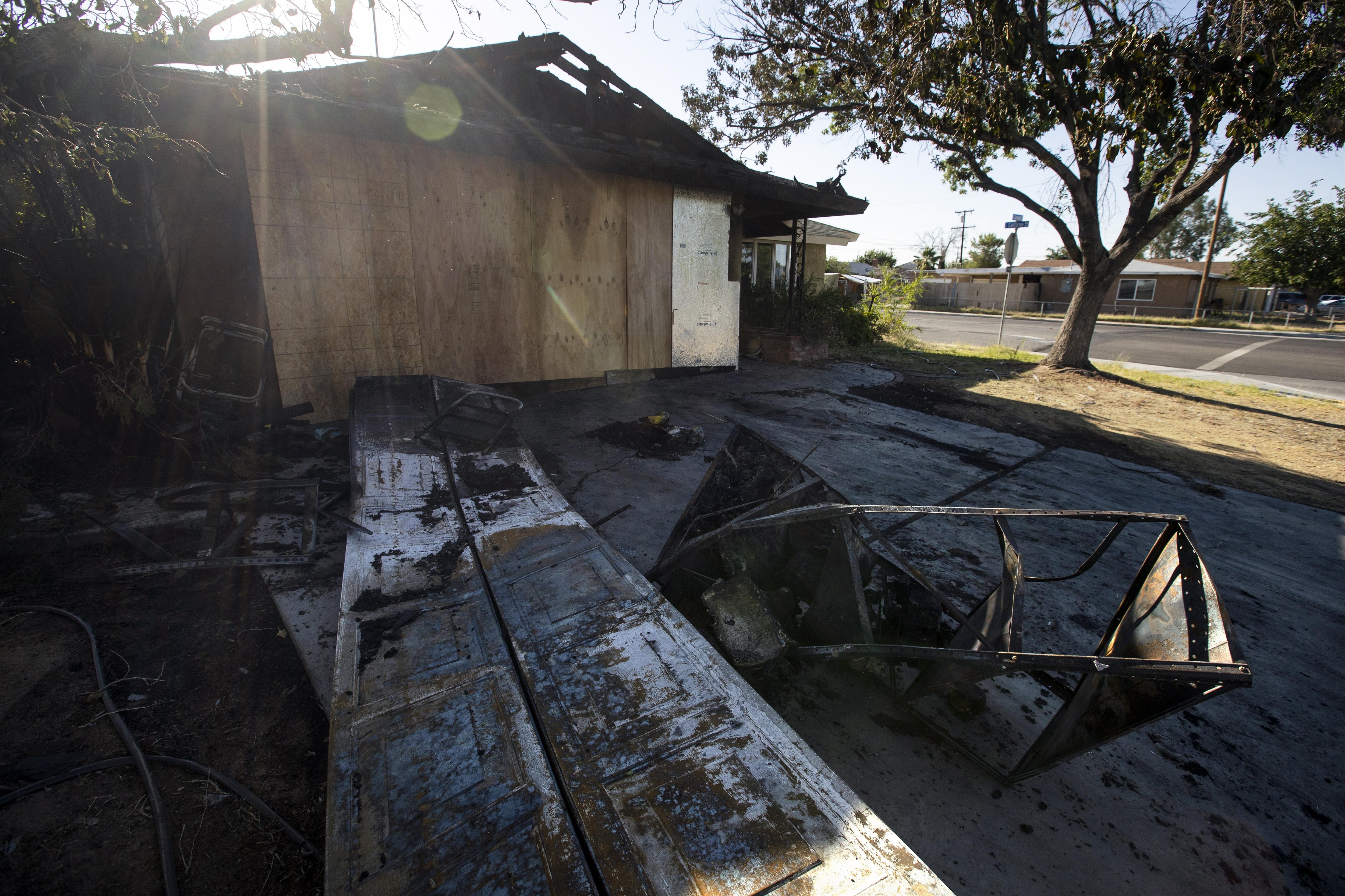 В четвъртък земетресение с магнитуд 6,4 беше регистрирано в Южна Калифорния близо до град Риджкрест, на около 175 км североизточно от Лос Анджелис, на дълбочина от 9 км, съобщи Геофизичният институт на САЩ. То се смята за най-голямото в Южна Калифорния след земетресението с магнитуд 6,6 от 1994 г. в Нортридж, което стана в гъстонаселен район на Лос Анджелис и причини щети за милиарди долари.
