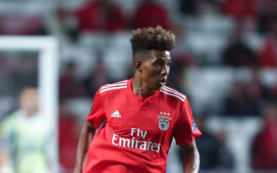 Милан разпитва за португалски топ талант