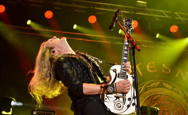 20 000 души пяха заедно с рок легендите Whitesnake в Пловдив