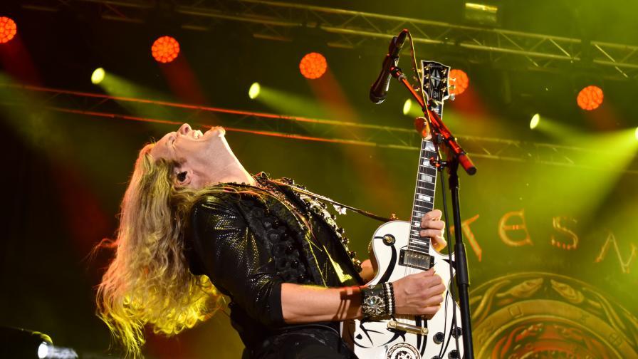 <p>20 000 души пяха заедно с Whitesnake в Пловдив (СНИМКИ)</p>