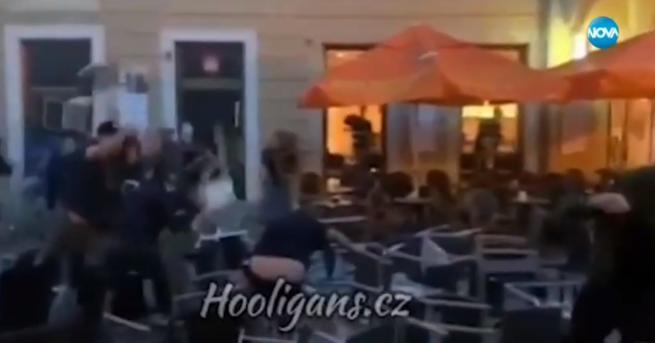 Снимка: Български фенове на Левски се биха с чужденци в Братислава