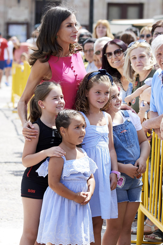 <p>Кралица Летисия с красива розова рокля в Мадрид.</p>
