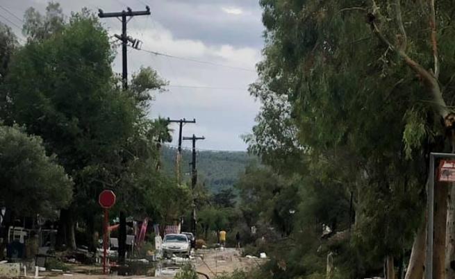 Разрушения след мощната буря в Гърция, невиждана от 35 г.