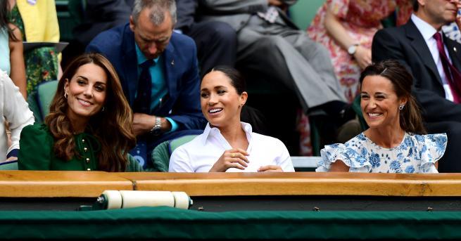 Снимка: Три кралски грации сияят на Уимбълдън: Меган Маркъл подкрепи Серина Уилямс заедно с Кейт и Пипа Мидълтън