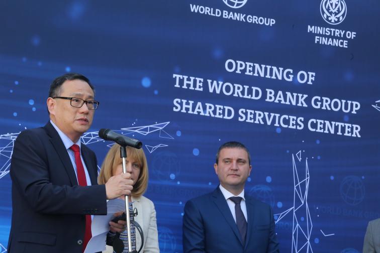 борисов Шаолин Янг световна банка