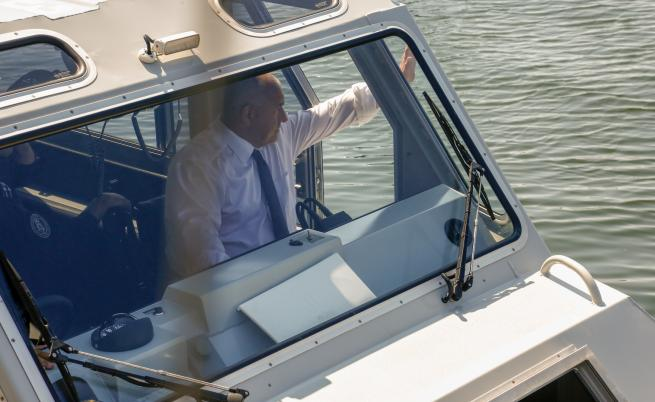 Бойко Борисов подкара катер