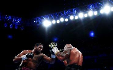 Уайт е близо до битка за световната титла след успех над Ривас