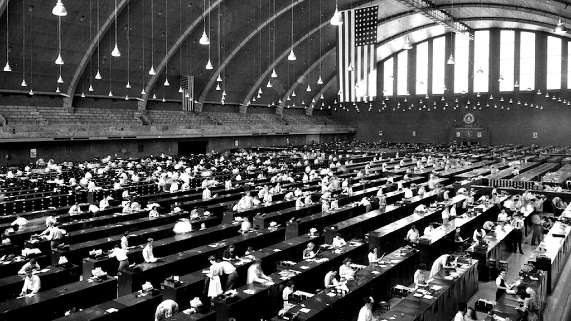 1944, САЩ: Мащабната база данни пръстови отпечатъци