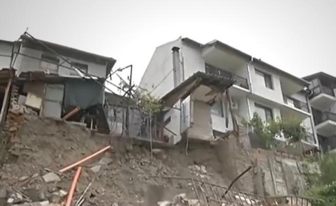 Престъпно нехайство във Велико Търново, къщи падат