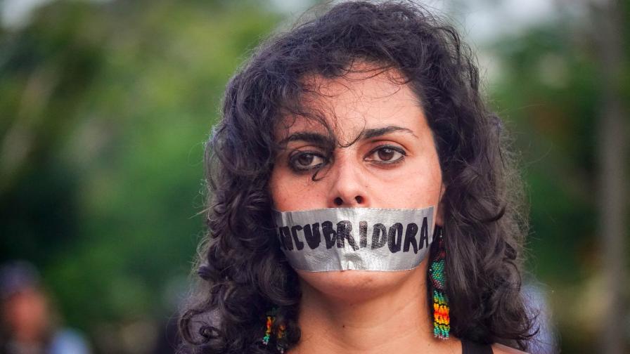 """<p><strong><span style=""""color:#ffbc00;"""">Рики Мартин</span></strong> и други звезди се включиха в&nbsp;протестите в Пуерто Рико</p>"""
