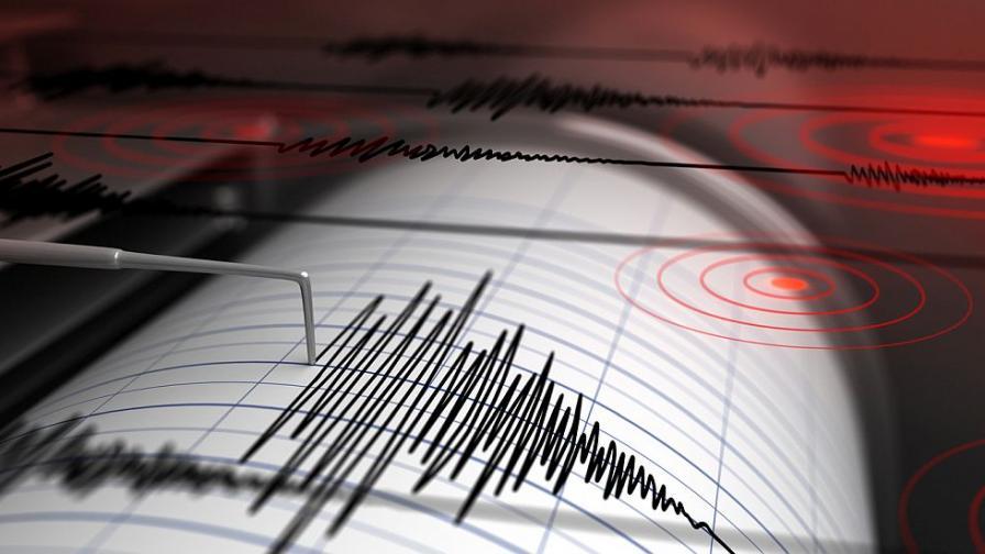 Серия силни земетресения в Турция, срутени сгради