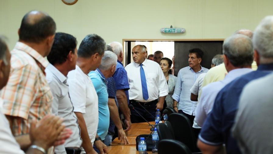 Премиерът Бойко Борисов и министърът на земеделието, храните и горите Десислава Танева са в Пазарджик