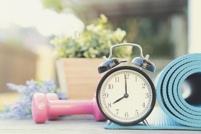 <p><strong>Намаляване на излишното тегло и тренировки</strong></p>  <p>Участниците в &bdquo;Национална програма за предотвратяване на заболяване от диабет&ldquo; в САЩ са насърчени да отслабнат с до 7% от теглото си и да спортуват по 150 минути на седмица. Клиничното проучване е установило, че хората, които са били част от програмата, са намалили риска от заболяване с диабет тип 2 с цели 58%.</p>