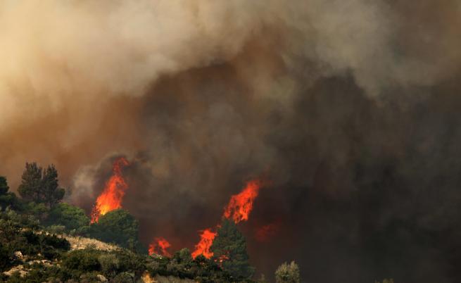 Стотици българи блокирани в Гърция, МВнР: Няма опасност