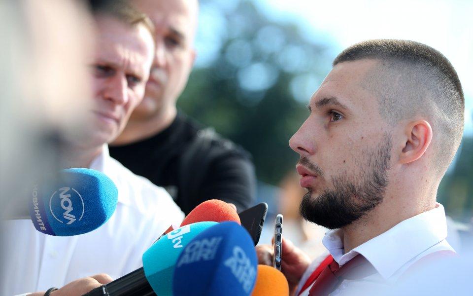 Защитникът наЦСКА Иван Турицовобяви, че играчите искатМилош Крушчичда остане начело