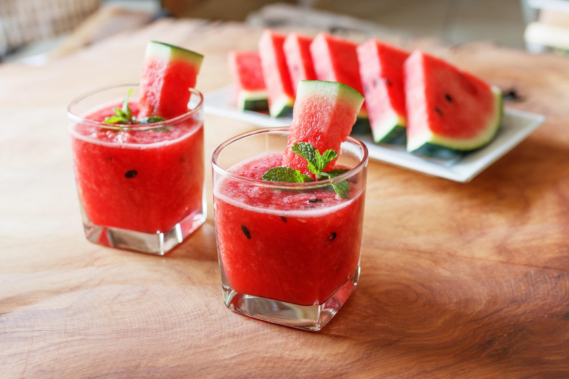 <p><strong>Близнаци &ndash; диня</strong></p>  <p>Най-веселият зодиакален знак получава най-веселия плод, свързан с лято, летни забавления и емоции. Динята е парти плодът.</p>