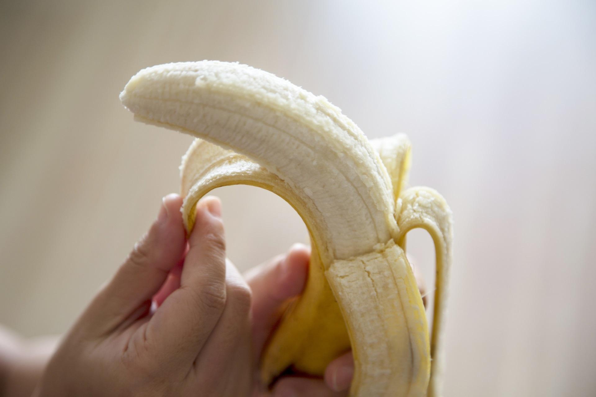 <p><strong>Лъв &ndash; банан</strong></p>  <p>Като лидер имате нужа от плод, който не е като останалите, а е ярко индивидуален. Бананът е иконичен плод, Лъвовете &ndash; също.</p>