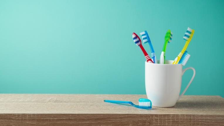 Избелване на зъбите в домашни условия