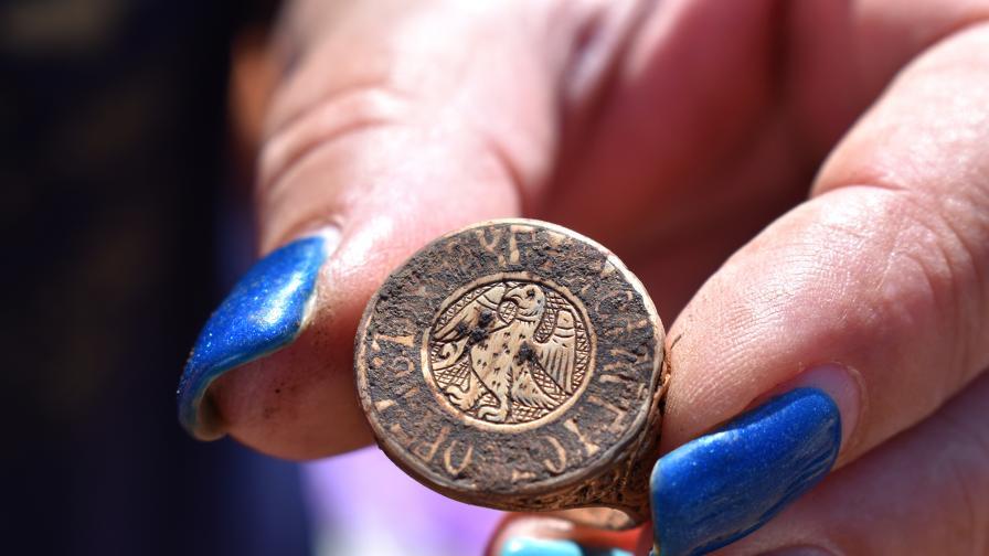 При редовните археологически проучвания на Калиакра е открито богато погребение от XIV век на неизвестен до момента аристократ – Господин Георги Палеолог.
