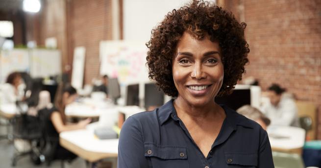 Снимка: Фанта Мбодж – от мизерията в Африка до върховете в професията