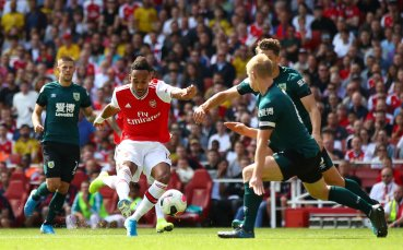 Обамеянг сравни триото на Арсенал с това на Ливърпул