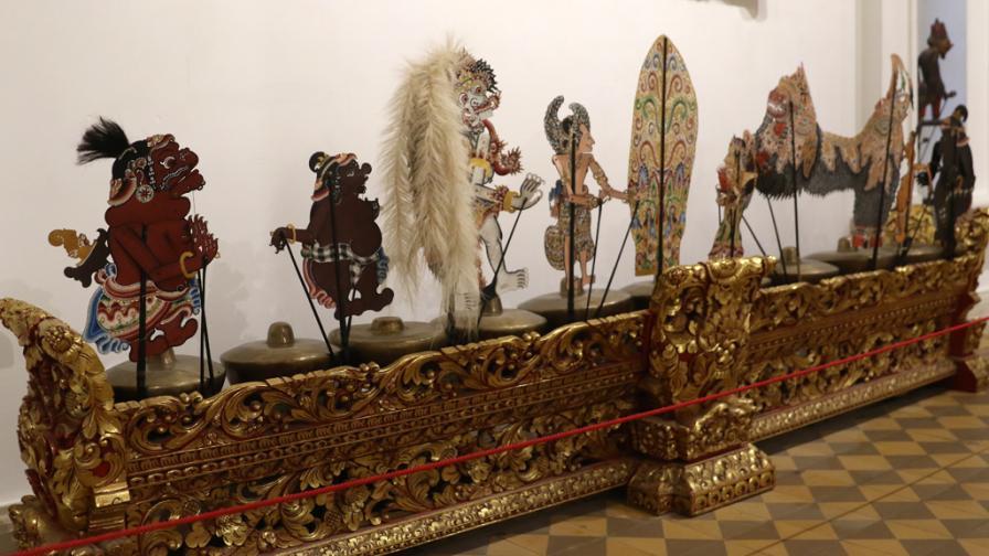 <p>Изложба представя <strong>уникални предмети</strong> от Индонезия</p>