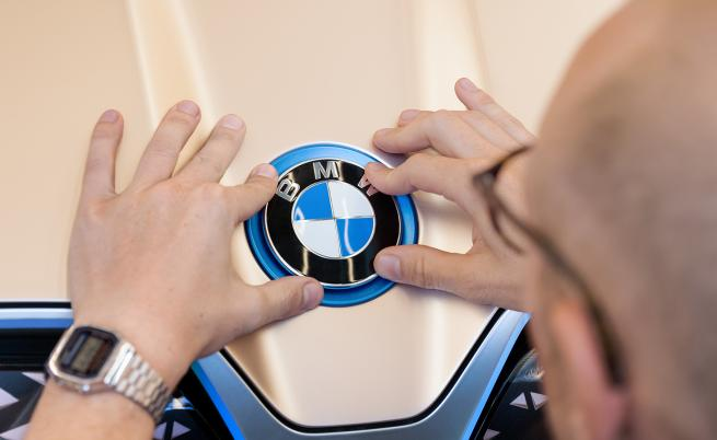 Това не е пропелер! BMW развенча 100-годишен мит